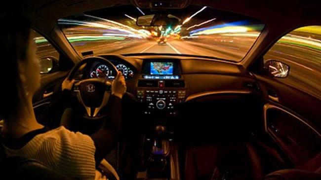 Mẹo lái xe an toàn vào ban đêm
